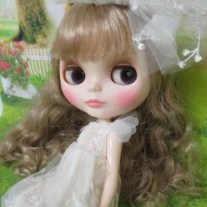 妖精チックな装い**クリアリィ・クレア