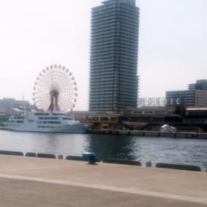スケッチ・・・神戸港中突堤よりモザイク