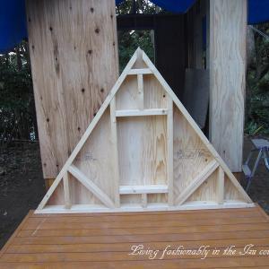 『おばさん小屋を作る』 尖がり屋根用 梯子作り