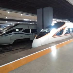 中国の新幹線で 上海から杭州へ!