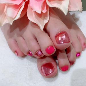 ピンク〜ピンクフットネイル☆落ち着いた大人ラメフットネイル☆