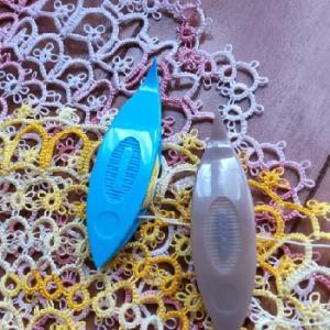 別色の糸で技法を変えて・・・