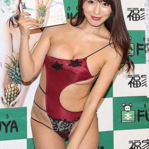 """森咲智美、橋本マナミも認めるエロさのファースト写真集「""""限界突破""""をして初めて『恥ずかしい』と感じました」"""