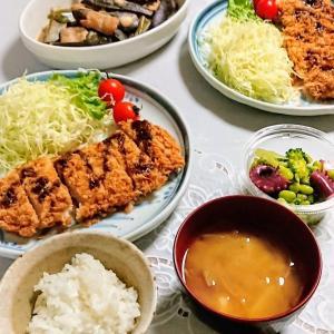 ヒレカツ、なすと豚肉の味噌煮、かぼちゃとひき肉のそぼろ煮など(実家)