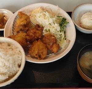ごはんどき「唐揚げ定食」ワンコイン500円 ジューシー唐揚げ|マルハンダイニング
