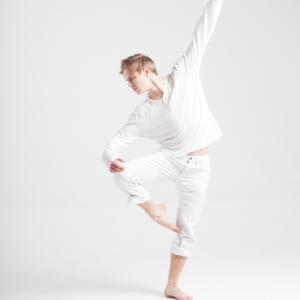 バレエダンサー動きで固太りをほぐす
