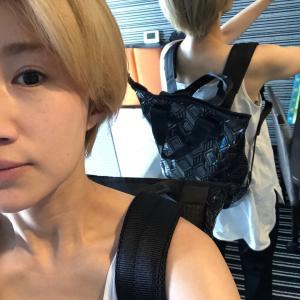 東京➡︎九州まで、ちょっとジェット飛行機✈️乗って行って来るわ。〜虹色に輝くリュックを背負って〜