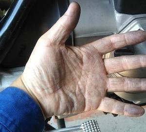 ピンク石鹸 頑固な手の汚れにはこれが一番!