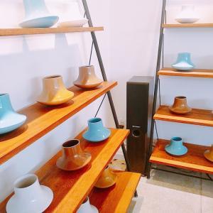 ZU STUDIO-リサイクルウッド家具やバッチャン焼きの花瓶も!フランス人デザイナーのインテリアショップ