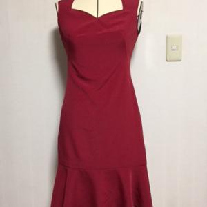 センシュアルなスイートハートネックライン☆ペプラム裾のノースリーブワンピース完成