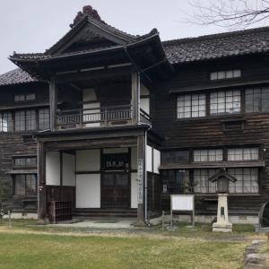 山形県鶴岡市大山を歩く 新民館や椙尾神社など