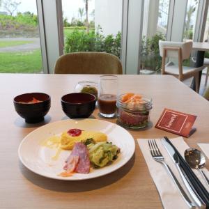 ヒルトン沖縄瀬底リゾート朝食バイキング利用記(ビュッフェ)全メニューレビュー(写真で紹介)アマハジ。hilton okinawa sesoko resort  (AMAHAJI) breakfast restaurant review