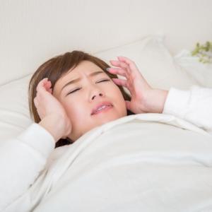 寝つきが悪い更年期世代は、食べ物と食事の時間に気をつけて睡眠対策する!