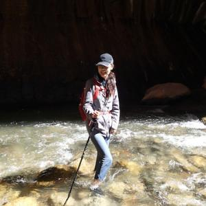 3本脚に助けられた川遊びに想う
