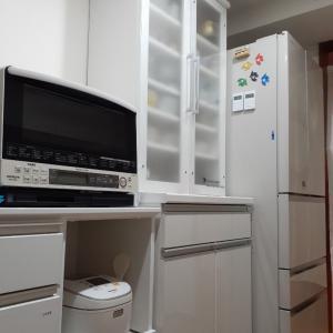 キッチン食器棚の転倒防止