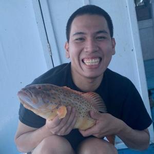 プロウスリブ島で魚釣りとBBQ