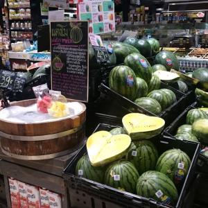 【バンコク観光】 ロビンソン デパート バンラック ===豪雨の後はスーパーに買出し!お惣菜は日本と同じで割引に===