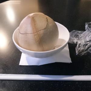 【スワンナプーム空港】 エバー航空ラウンジ訪問 ===中華でなく名物はココナツジュース!===