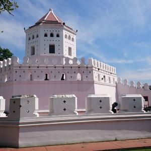 【バンコク観光】プラ・スメーン砦 ===寺院に飽きたら?真っ白い要塞へ===