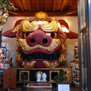 【東京観光】波除神社 ---築地だけに魚介類の色々な塚が並ぶ神社---