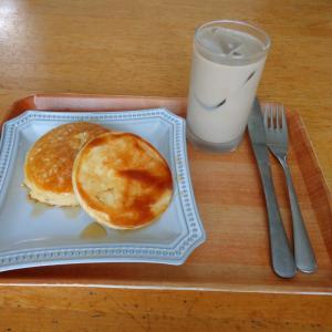 のんびり朝食を