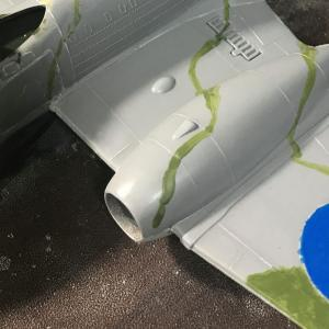 【AIRFIX】METEORⅢ 1/72 (迷彩塗装スタート、筆洗いを簡単に。。。)