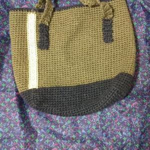 すべてが曖昧なジュートバッグ編み上がりました。