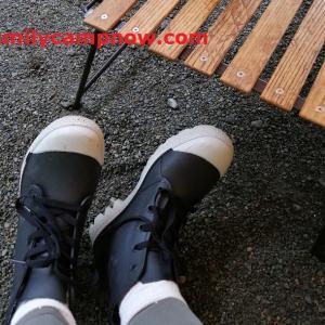 【キャンプ雨対策】ワークマンのレインショートブーツ(防水サファリ)を売り切れる前に買っておこう!