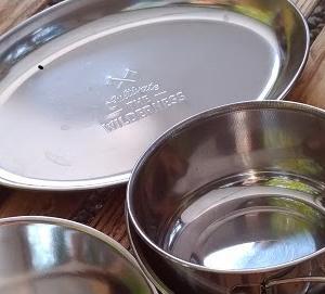 おすすめのキャンプ用食器【セリアのシェラカップとコッヘル】