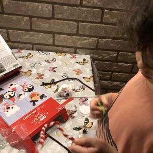 jul tidningenとつぶつぶ粘土でクリスマスの飾り作り
