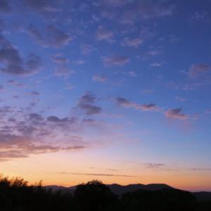 10月17日の空とヤマガラ