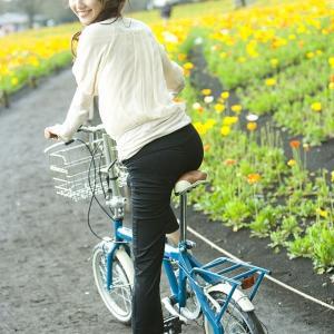 女だけど自転車(ママチャリ)に乗って信号待ちしてたら背後の奴に盗撮されてたwwwwwwwwwwwwwwwwwwwwwwww