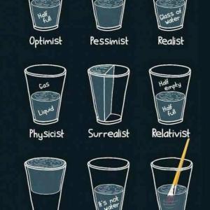楽観主義者はドーナツを見て、悲観主義者はその穴をみる