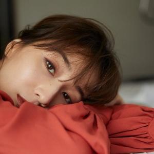 【画像あり】田中みな実(32)、美乳あらわなS●XYショットに反響殺到「なんて美しい下乳…」
