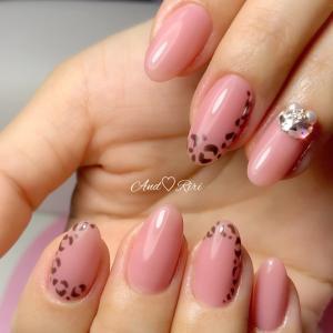 ピンクにヒョウ柄の甘辛ネイル♡       葛飾区ネイルサロン アンドリリ
