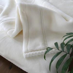 極上に暖かい毛布「東京西川 ホワイト毛布プレミアム」♪シンプルな白い毛布はおしゃれでおすすめ!