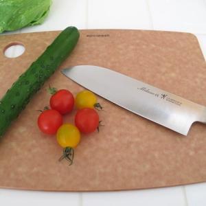 【おしゃれな木製風】耐熱温度176℃のまな板「エピキュリアン カッティングボード」はアツアツ料理がすぐ切れて便利でおすすめ!【食洗機対応】