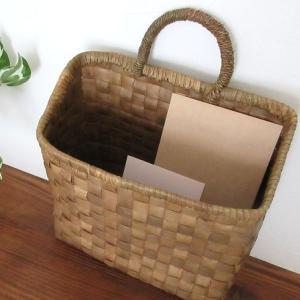 郵便物や書類の整理・収納に壁掛けもできるレターラックがおすすめ♪これでもう紙類は散らからない!