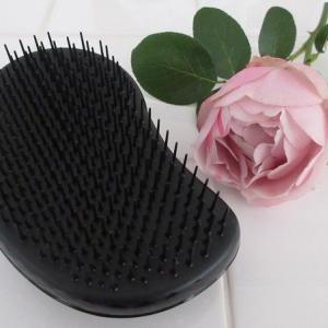 すべての人に試してほしいヘアブラシ「タングルティーザー」!とかすだけで髪がさらさらつやつやに♪