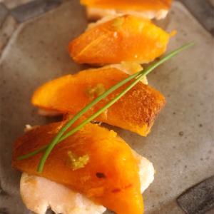 焼き鶏ハムと柿の柚子胡椒乗せ〜日常の中にあるデート❣️😆