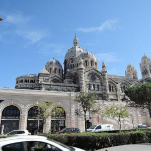 マルセイユ観光2日目ー3 マルセイユ大聖堂・ショッピングモール・ブリティッシュエアー機内食