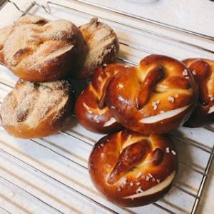 【パン】プレッツェルを焼きました!
