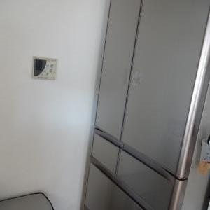 新しい冷蔵庫がやって来ましたぁ〜