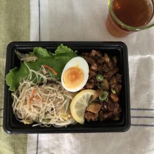 台湾料理ルーロー飯弁当