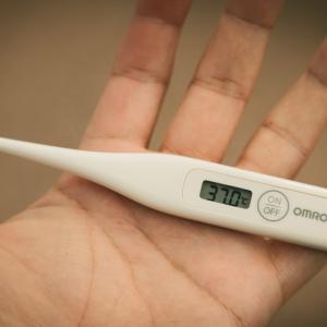 喉の痛み、空咳、微熱が出現。コロナの恐怖におびえる毎日。