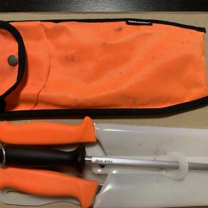 狩猟を始めてから購入したナイフ。