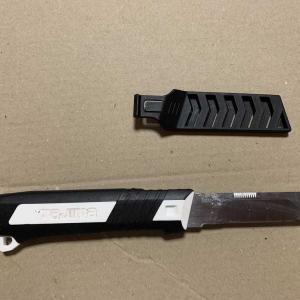 巻き狩りの解体では使わないけど時には解体に使うナイフ。