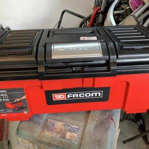 FACOMの工具箱