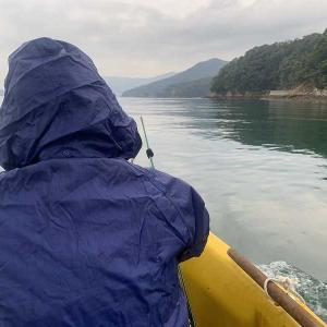 今日は、ボートフィッシングでアオリイカ釣りです。