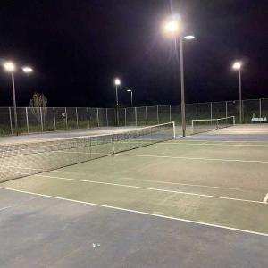 昨晩はテニスしました。